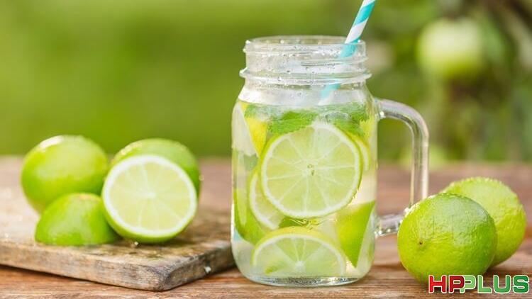 Vì sao bạn nên uống nước chanh hàng ngày, đặc biệt trong mùa dịch?