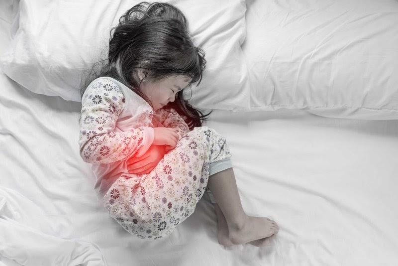 Dấu hiệu cảnh báo viêm dạ dày ở trẻ em bố mẹ cần biết | Vinmec